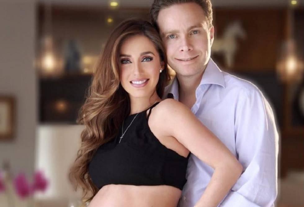 Photo of Anahi la ex de RBD, anuncia que espera su segundo hijo