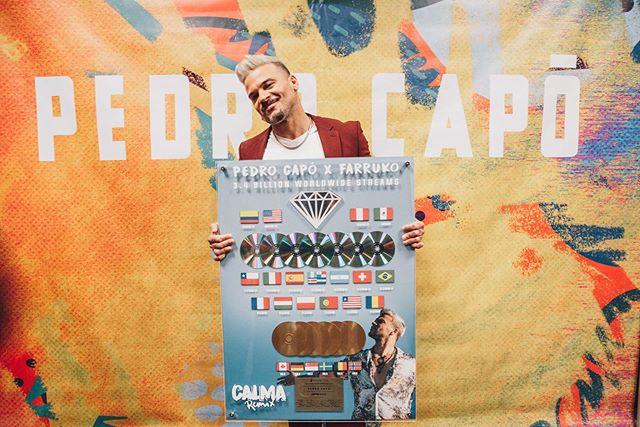 Photo of Pedro Capó recibió certificaciones Diamante, Multiplatino y Oro por su single 'Calma Rmix'