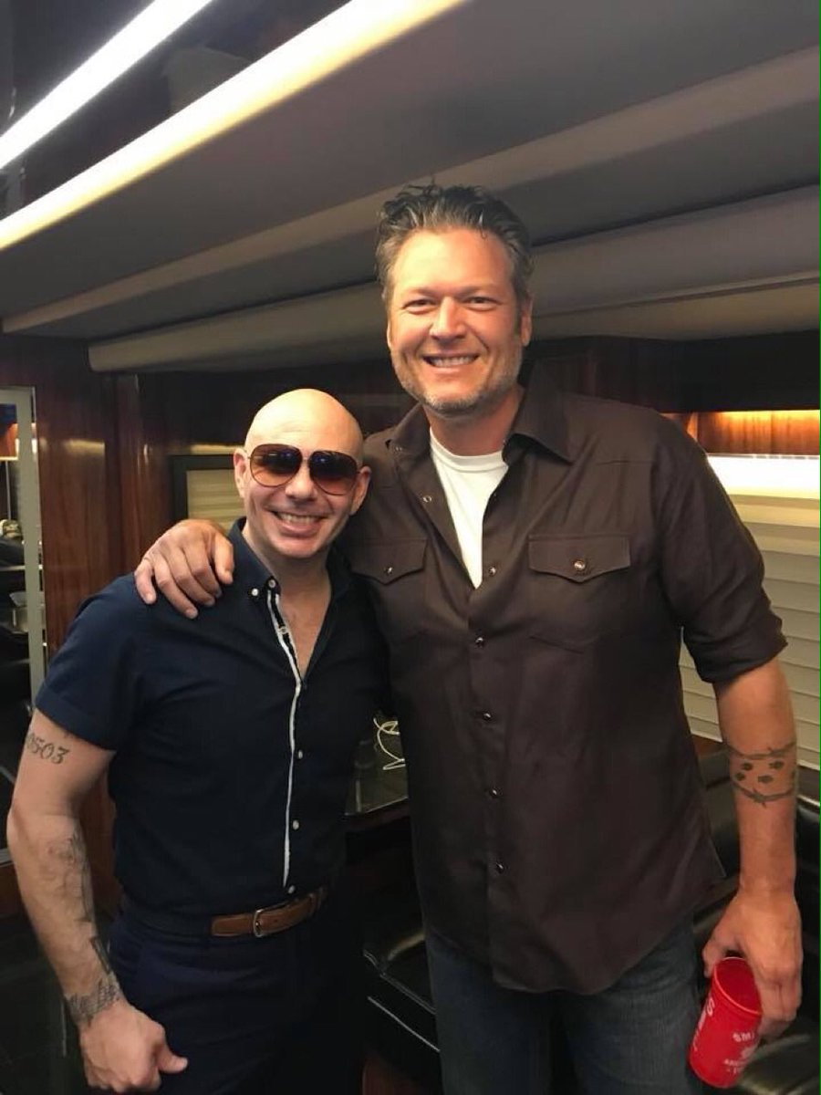 Photo of Pitbull estrena junto a Blake Shelton «Get Read»