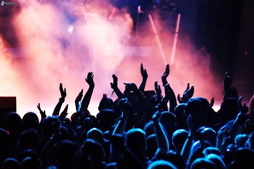 Photo of AEG se une a Live Nation para recomendar que se suspendan los conciertos en EE.UU.