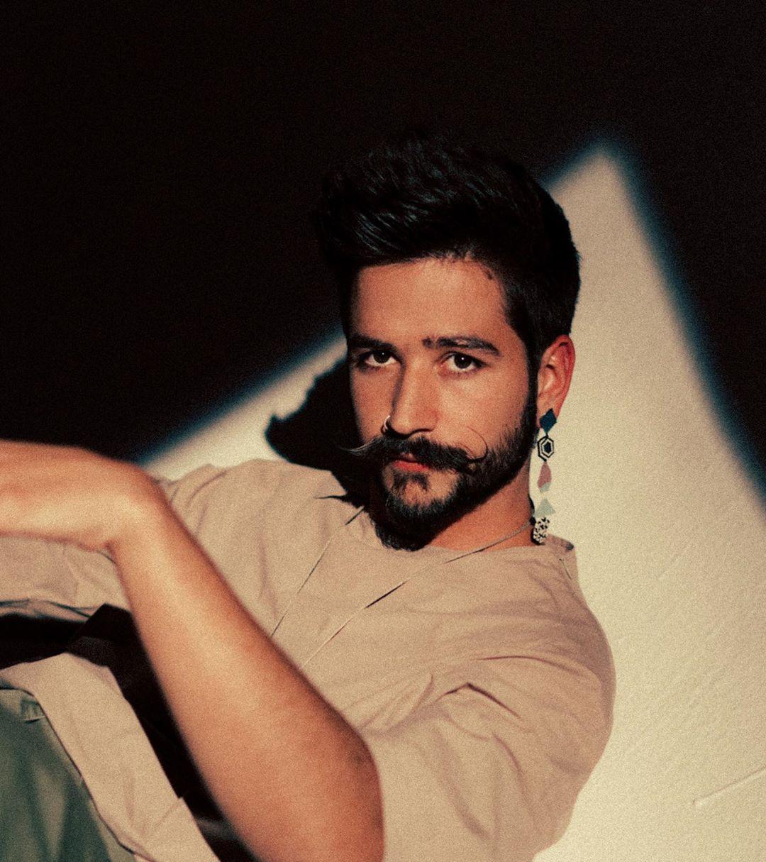 Photo of Camilo estrena su álbum «Por Primera Vez»